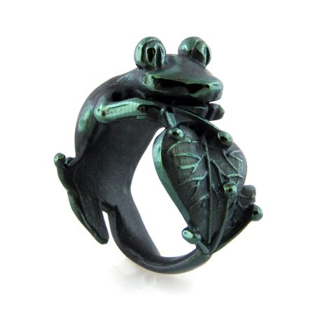 Frog ring in green titanium by Edward Mirell