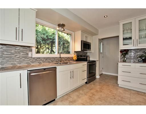 Best White Cabinets With Long Handles House Ideas Pinterest 400 x 300