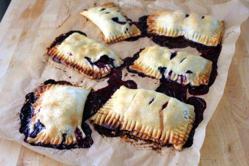 berry hand pies | desert | Pinterest