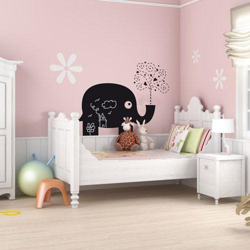 Vinilo decorativo de pizarra, para decorar una habitación infantil y que pueda dejar sus mensajes y creaciones en la pared. http://vinilatucasa.com/producto/177/0/