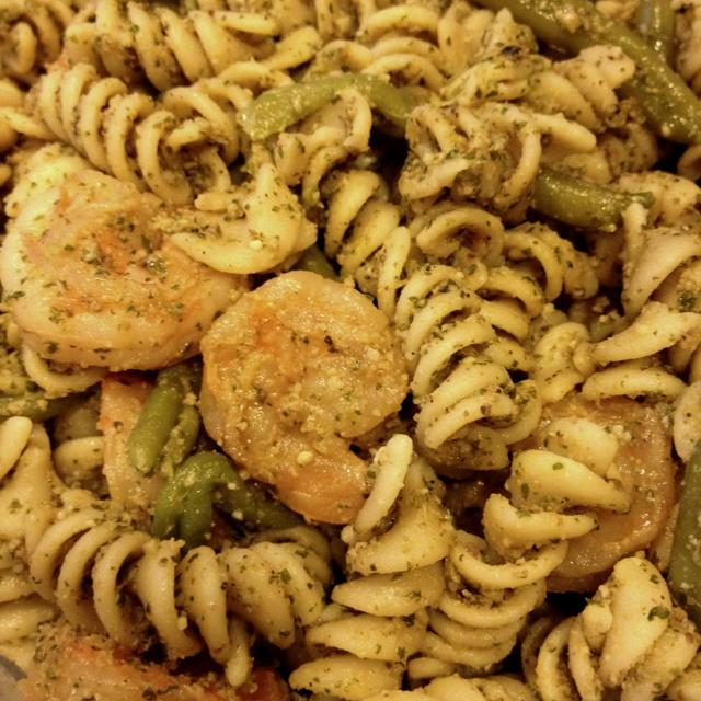 Walnut pesto shrimp and green bean pasta | Yum! | Pinterest
