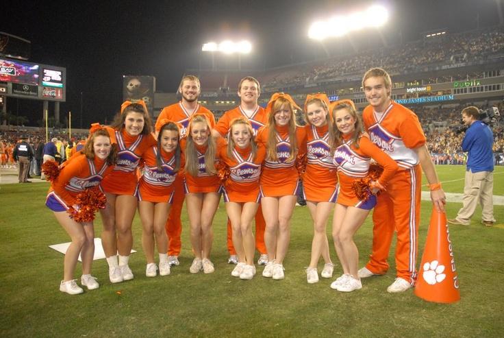 Clemson University Cheerleaders, cheerleading