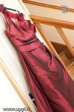 Robe de mariage Dumas couleur Bordeaux  Robes de mariée et articles ...