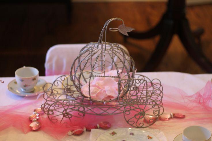 Princess Carriage Centerpiece Cake Ideas and Designs
