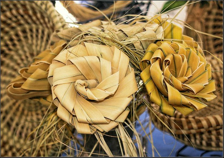 How To Weave A Sweetgrass Basket : Charleston sweet grass basket weaving the lowcountry