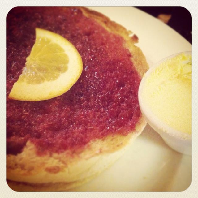 Sally Lunn bun in Bath with jam/ clotted cream