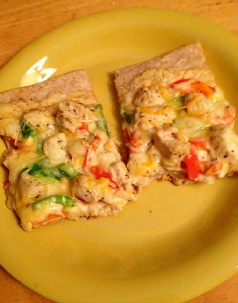 Healthy Hummus Chicken Pizza | Hungry... | Pinterest