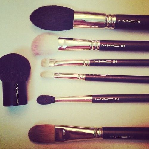 Claudia's Mac brushes wish list Mac brush 130, 188, 224,109, 214 ...