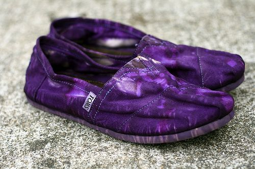 Lovely purple tie dye TOMS at Julia's Poppies Design.