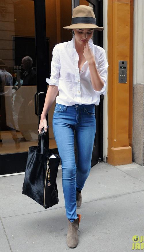 White Button Up Shirt, Lover Light Denim Skinny Jeans, Black Ankle Boots, Black Hat