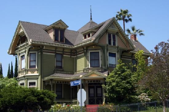 Victorian home los angeles victorian style pinterest for Victorian colonial homes