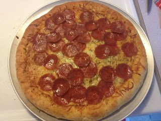 My homemade pizza! Really simple recipe. | Eateries. | Pinterest