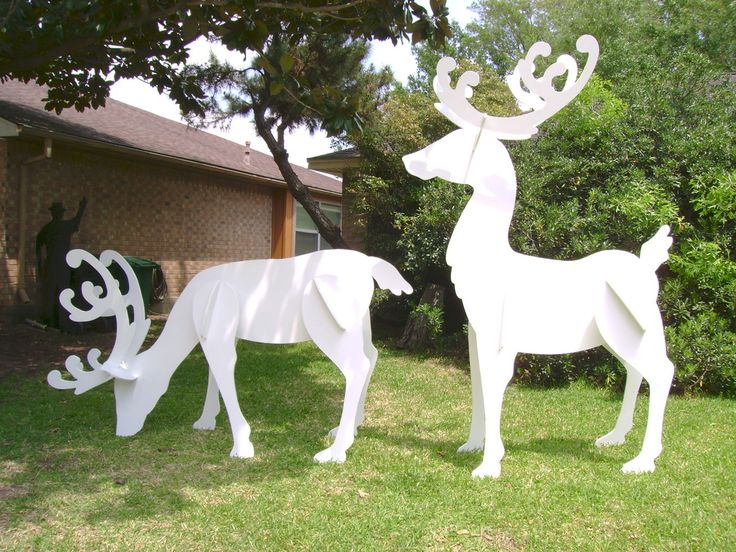Christmas outdoor decorations diy - Gigantic Reindeer Set This Christmas Yard Art Decoration Was Made To