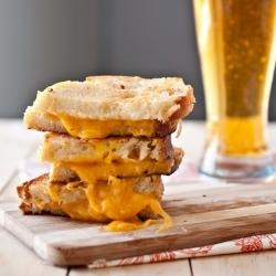 grilled beer cheese | Gastronomy | Pinterest