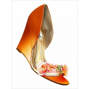Sapatos cor de laranja  #Wedges #2dayslook #Wedgesfashion  www.2dayslook.com