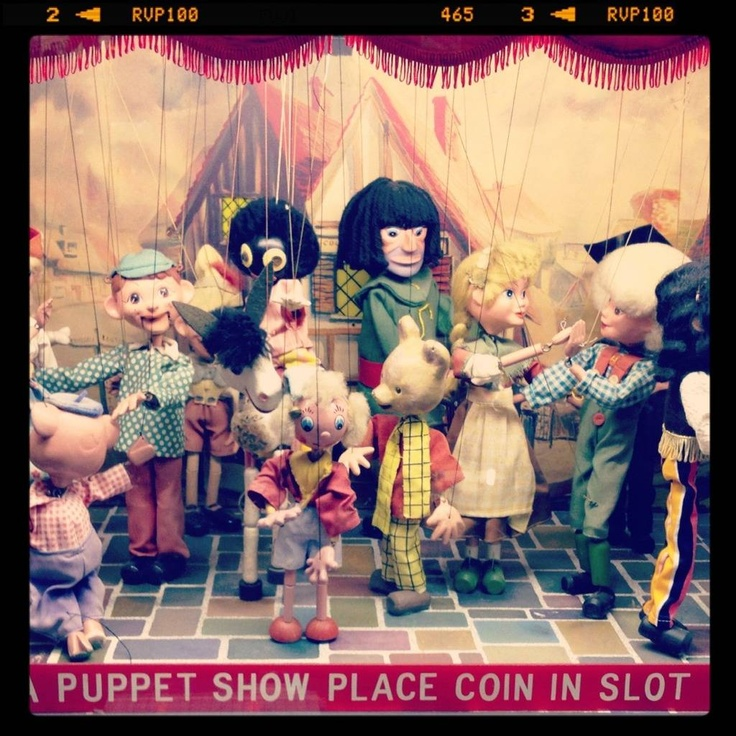Puppets (from the blog Vivid-please)