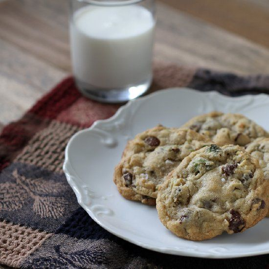 Dark chocolate chips, pistachios, and sea salt combined for an amazing ...