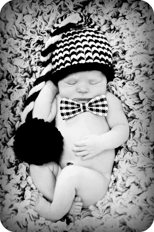 Newborn Baby Boy Photo Prop Houndstooth Bow Tie. $9.00, via Etsy.