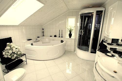 Baño moderno con jacuzzi ~ dikidu.com