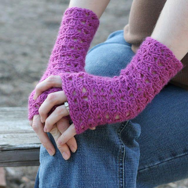Crochet ripple lace fingerless gloves free pattern