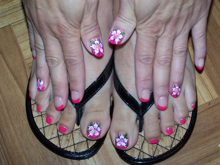 Hawaiian design | My nails | Pinterest