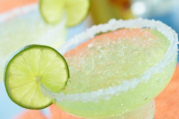 How to Make a SkinnyGirl Margarita