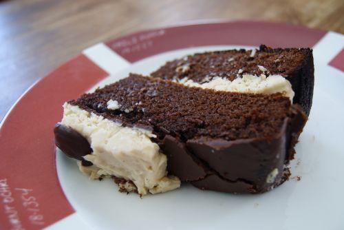 Chocolate-coconut-cream cheese layer cake - gluten free