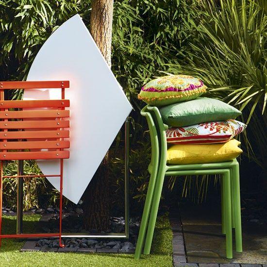 Space-saving ideas for small gardens