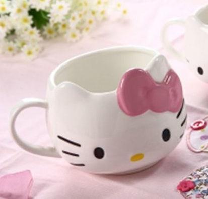 Caneca Hello Kitty - Porcelana fina R$52.00