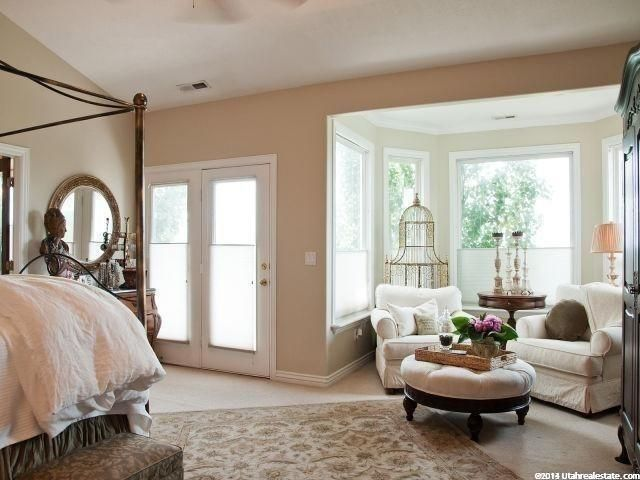 beautiful sitting area in master bedroom bedrooms