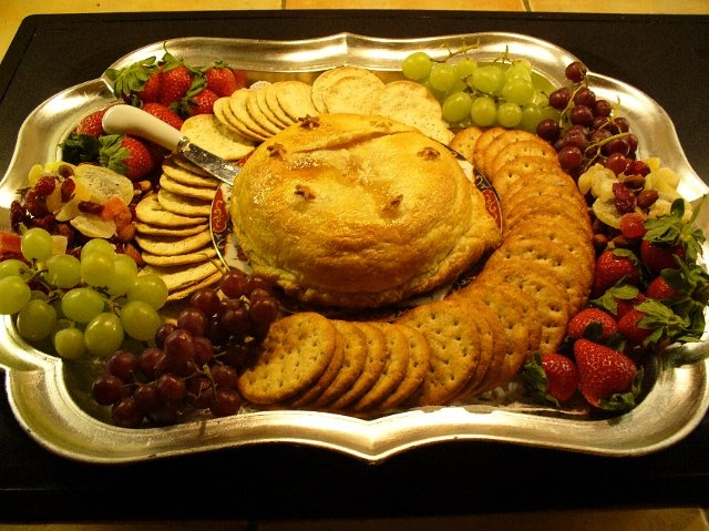 Baked Brie pretty presentation for a holiday party