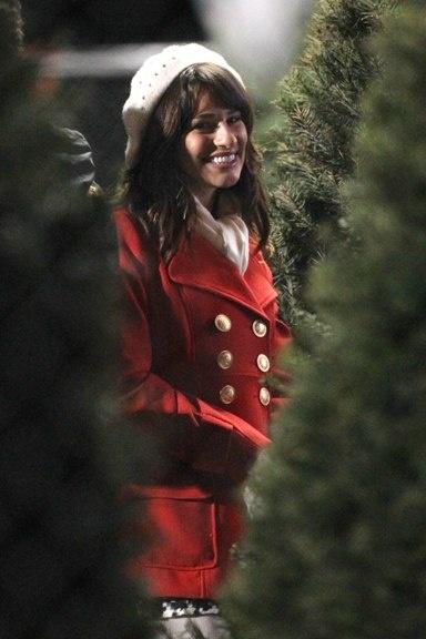 Glee stars on the set!