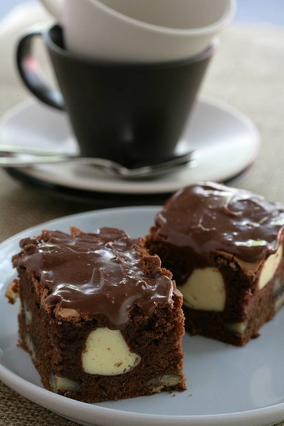 Coffee chocolate brownie with cheesecake | Desserts of Deliciousness ...