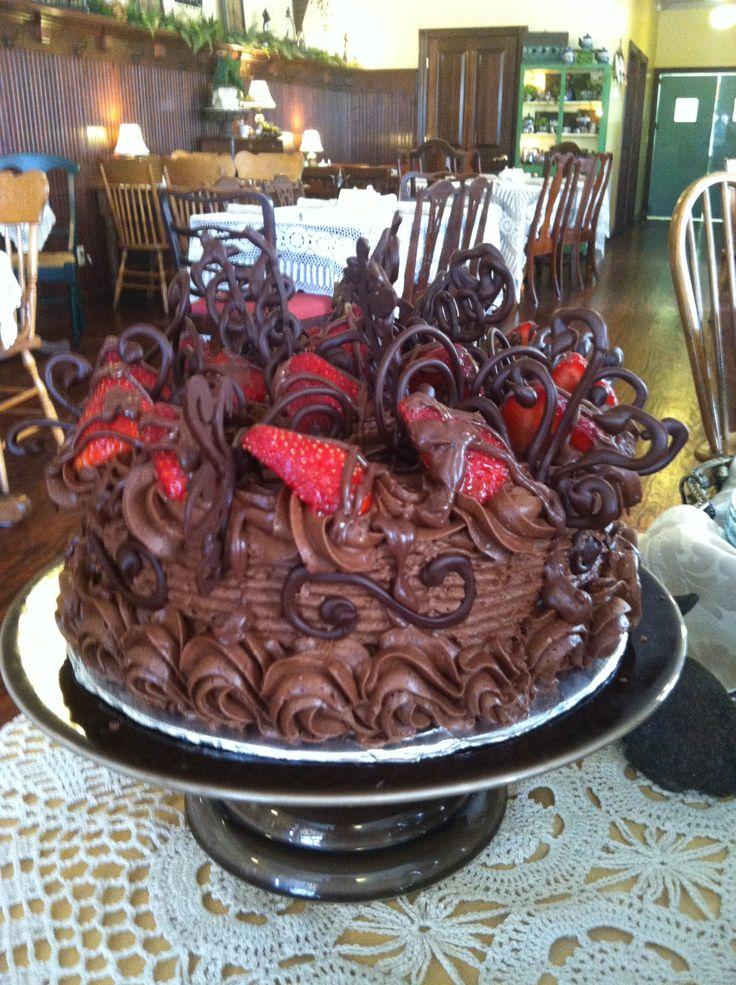 Chocolate Covered Strawberry Cake | Cakes | Pinterest