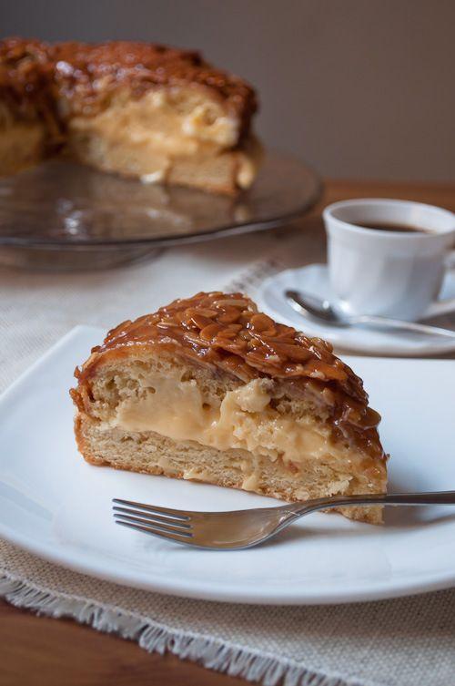 Bienenstich (Bee Sting Cake) in Munich | German Cuisine | Pinterest