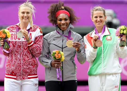 (L): Silver medalist Maria Sharapova of Russia, Gold medalist Serena Williams of the U.S, & bronze medalist Victoria Azarenka of Belarus