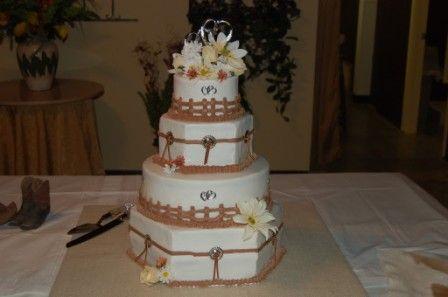 Cute Country Theme Wedding Cake