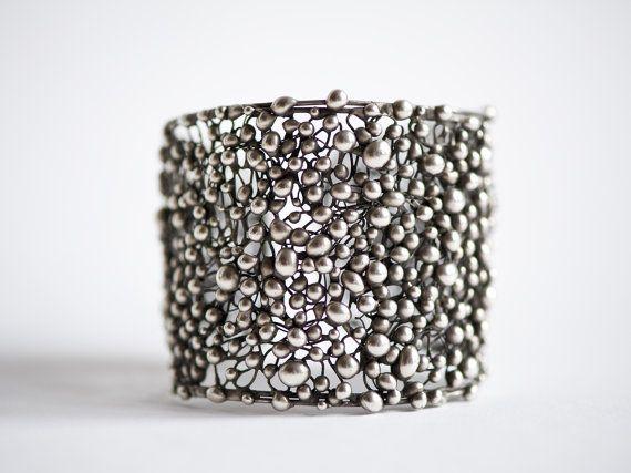 Handmade cuff bracelet by Giardinoblu