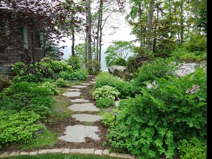 Dixon garden path step stone garden dreaming for Stone stepping stones for garden paths
