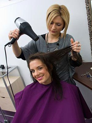 Hairdresser : 10 Things Your Hairdresser Won?t Tell You