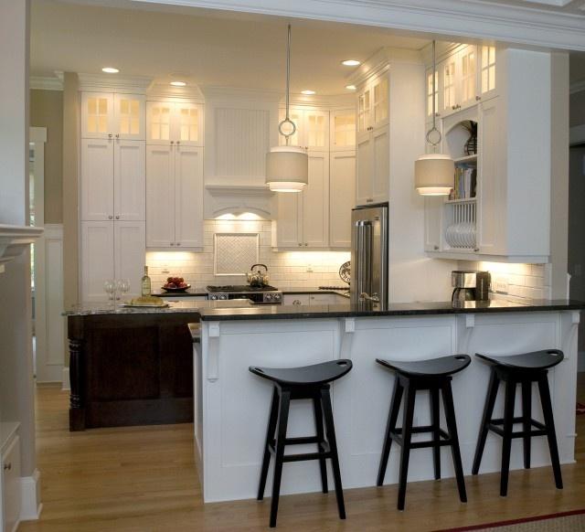 Beautiful Traditional Small Kitchen Design Featuring White: White Kitchen W/ Peninsula And Island