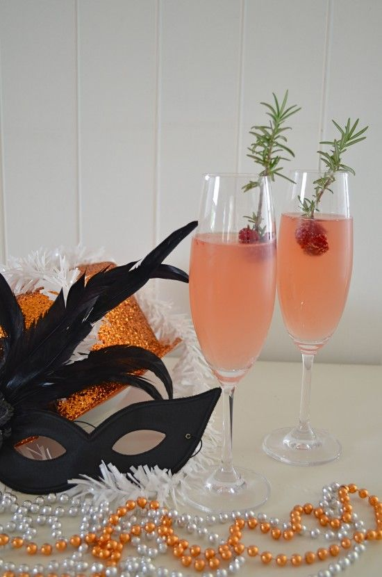 Berry Pear Champagne Cocktail | Party Ideas | Pinterest