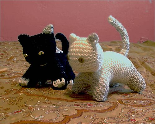 Knitted Cat Pattern : Knitted cat pattern Toys Pinterest