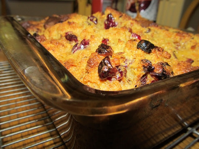 Mary Quite Contrary Bakes: Post 001. Panettone Eggnog Bread Pudding