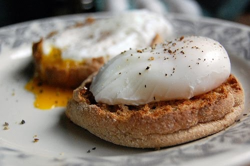 Poached eggs on eng muffins | Mouth-Watering! | Pinterest