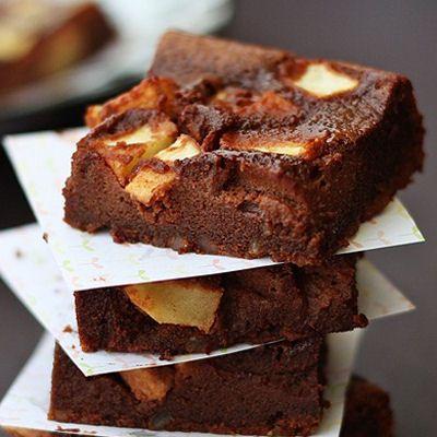 Flourless Apple Brownies (15 brownies and 180 cal. per brownie)
