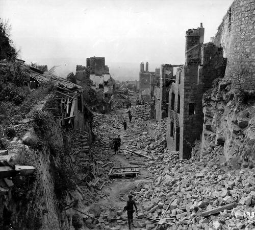 Destroyed european cities world war ii pinterest for Cities destroyed in ww2