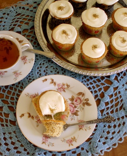 Mini Chamomile Cakes with Honey Frosting | Desserts and Sweets | Pint ...