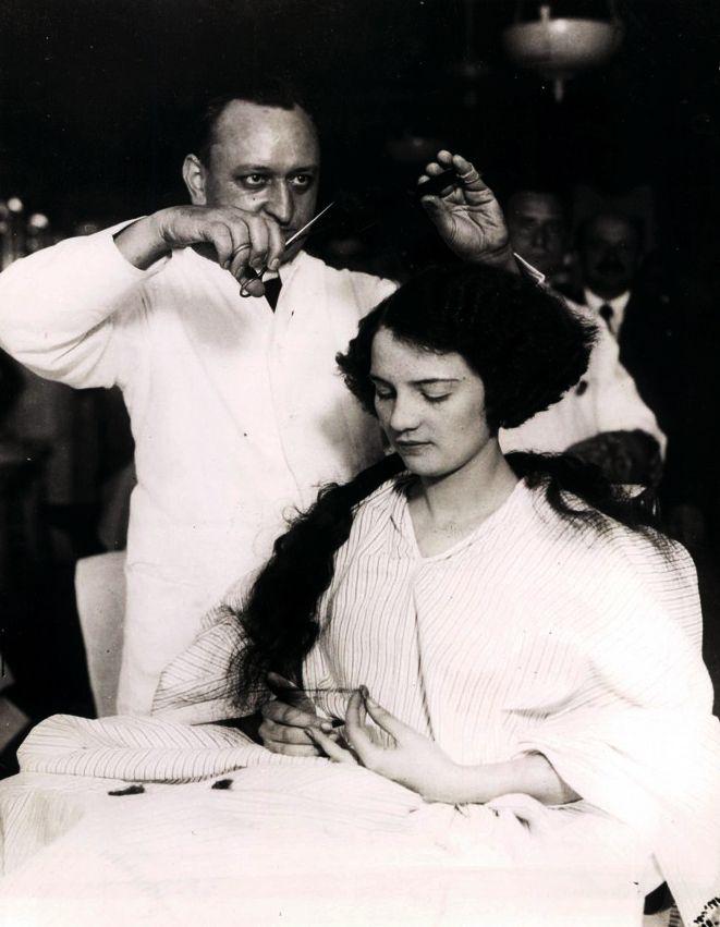 Barber Shop Womens Haircut Videos | blackhairstylecuts.com