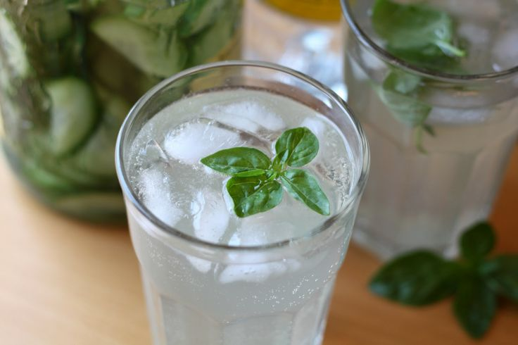 Barefeet In The Kitchen: Basil Cucumber Gimlet